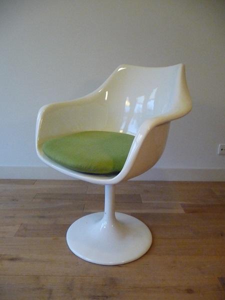 4 Tulip stoelen Eero Saarinen, replica's 2