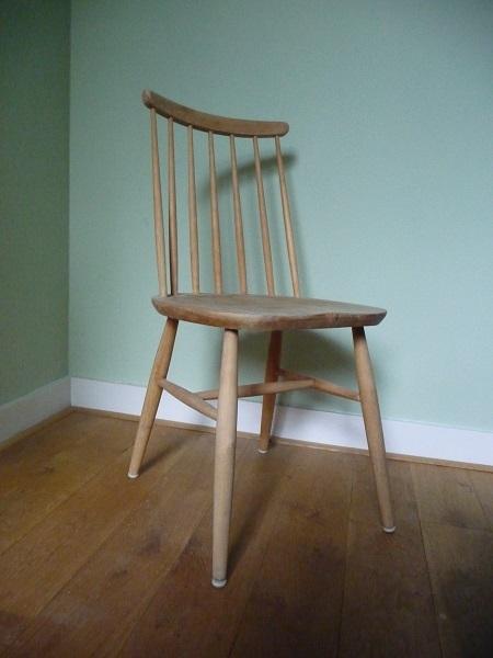 vintage blank houten spijlenstoel 1