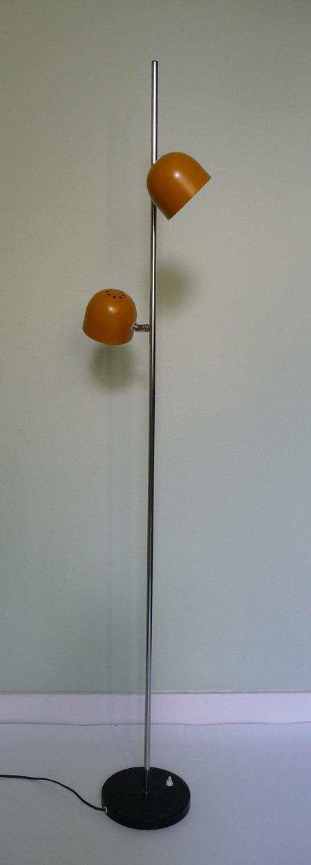 jaren 70 vloerlamp oker 1