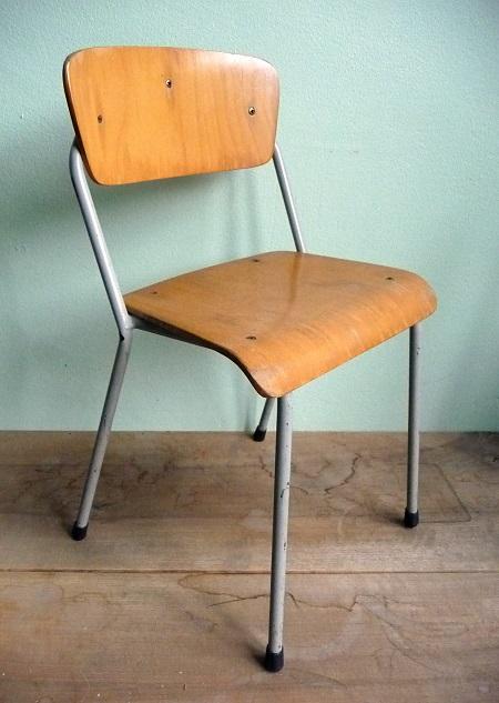 vintage schoolstoeltje 1