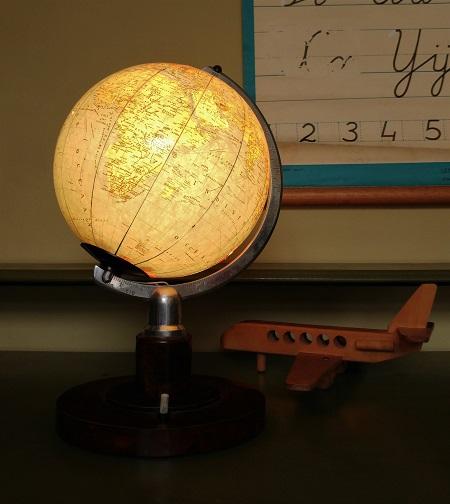 globe met licht jaren 70 2