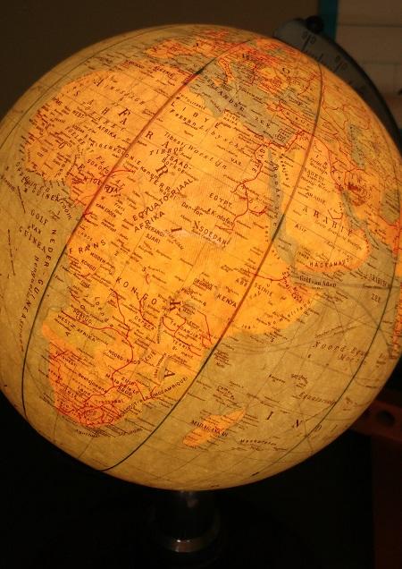 globe met licht jaren 70 3